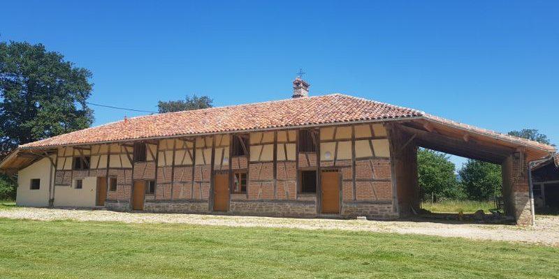 Rénovation d_une ferme à colombage à CORMOZ dans l_AIN